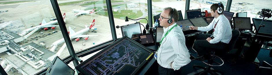 空港指令室&航空管制 テクノロ...